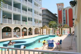 Sunrise Red Vacation Condo, Myrtle Beach - Pool Area
